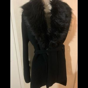 Sweater with fur trim pre loved